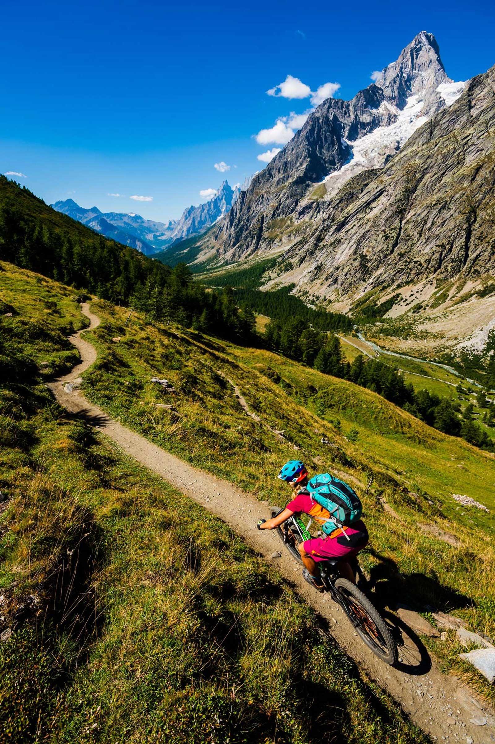 DRØMMEDAL: Aosta-dalen stiller til disposisjon med flytstier av første klasse. Karen Eller nyter.