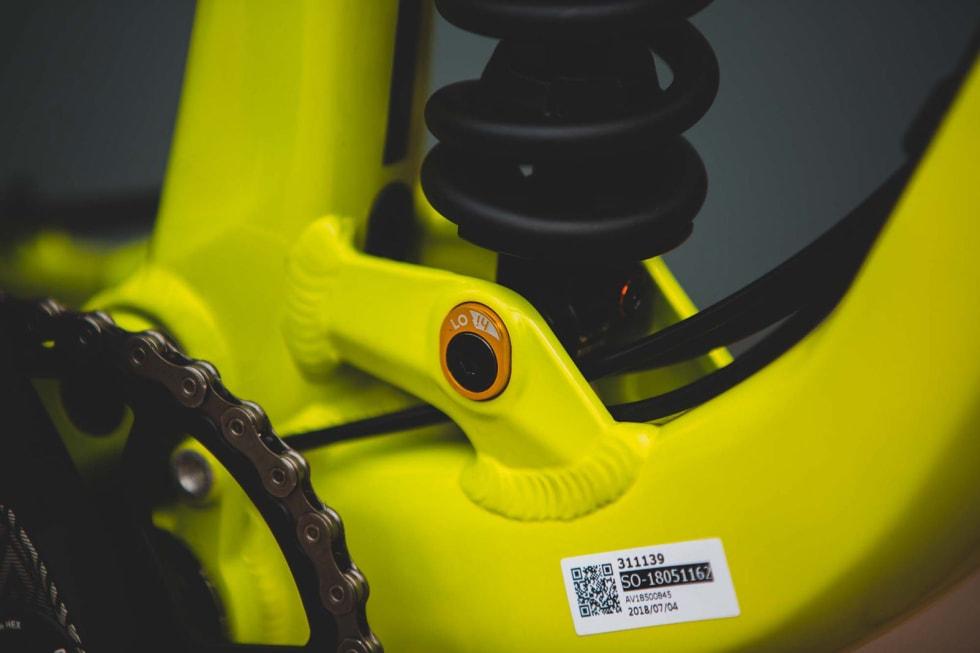 JUSTERBAR: GT-sykkelen lar deg tilpasse geometrien i to nivåer. Høy eller lav. Skal du på langtur i slakt terreng kan høy innstilling være smart. Lav gir best egenskaper nedover.