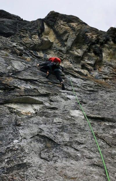 TIL FJELLS: Tonje er i ferd med å bli gira på alpinklatring. Foto: Privat