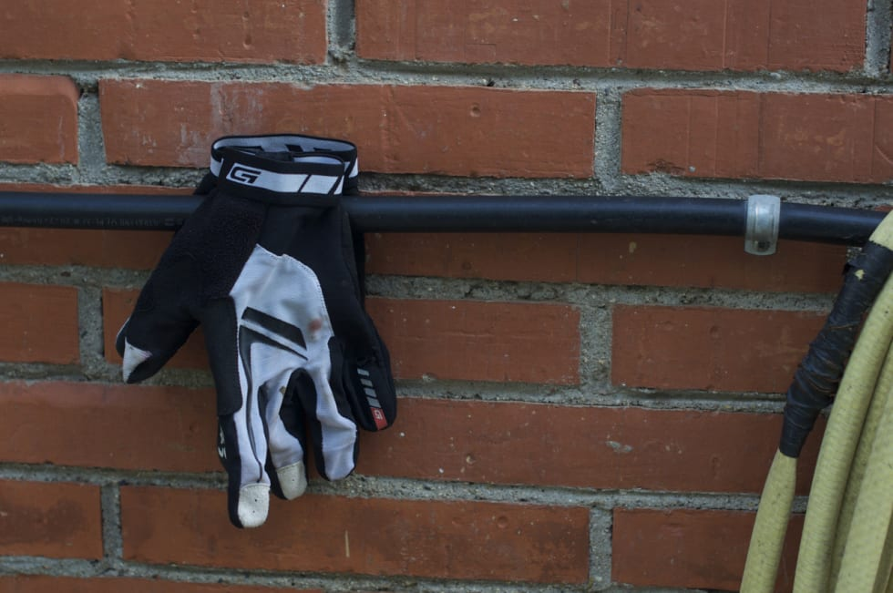 LUFTIGE: Grip Grabs racing hansker er minimale, men solide.