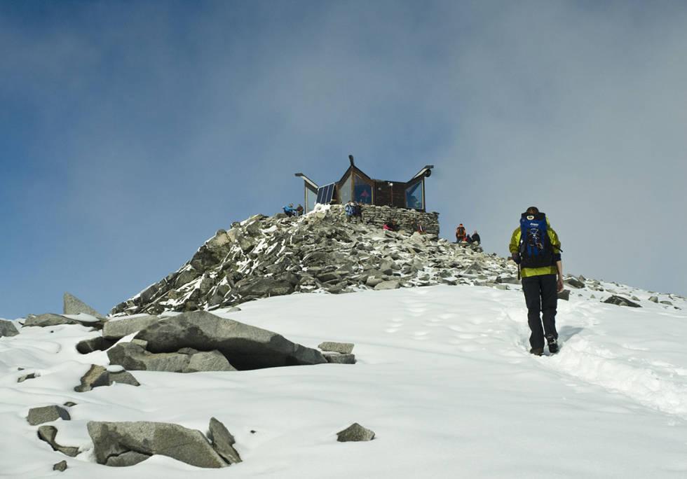 Folk på fjelltur Galdhøpiggen