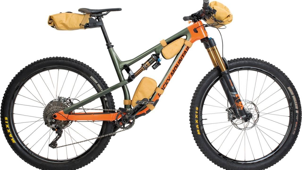 Evoc vesker på sykkel
