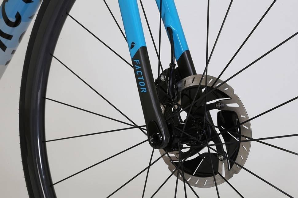 2020-factor-o2-disc-brake-fork