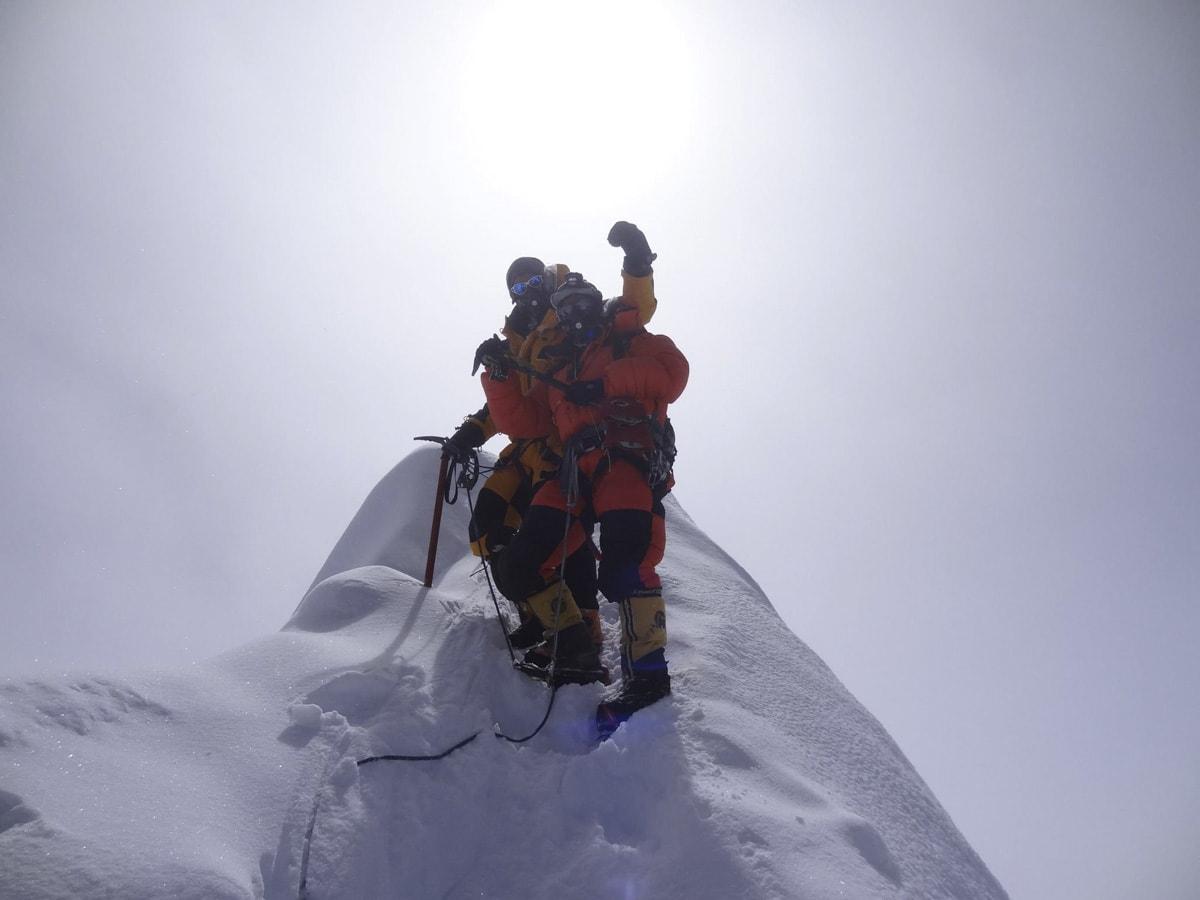 På toppen av Manaslu.