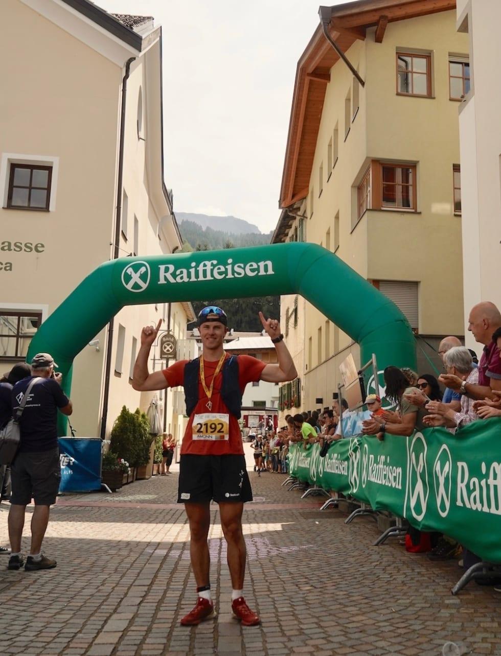 Kristian André Aalerud etter målgang på maratondistansen i Südtirol Ultra Sky Race i Bolzano i går. Foto: Anniken Helene Aalerud