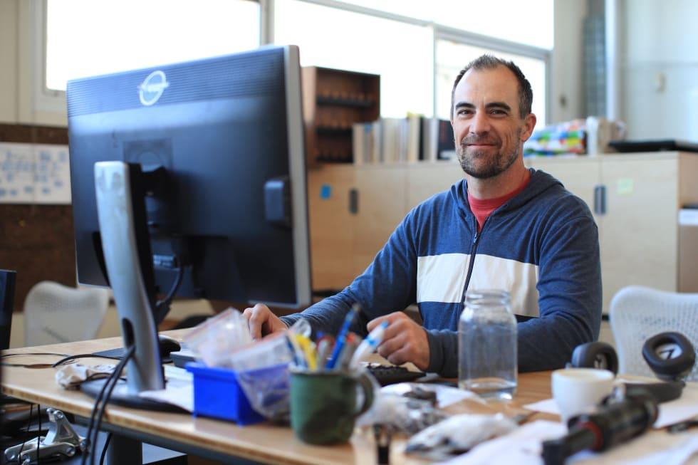 HJERNEN BAK: Ingeniør-leder Nick Anderson har vært med på Santa Cruz sin karbon-utvikling fra begynnelsen. Foto: Gary Perkin/Santa Cruz