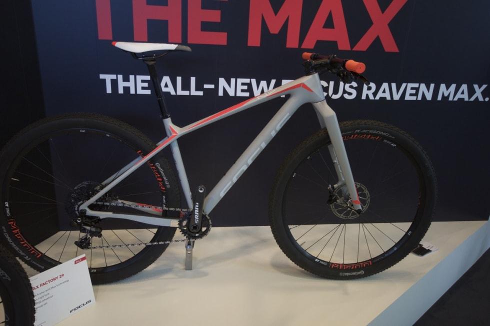 TIL BIRKEN: Focus har en egen serie med sykler der ingeniørene for leke seg litt. Denne versjonen av Raven Max er som skapt for den siste lørdagen i august.