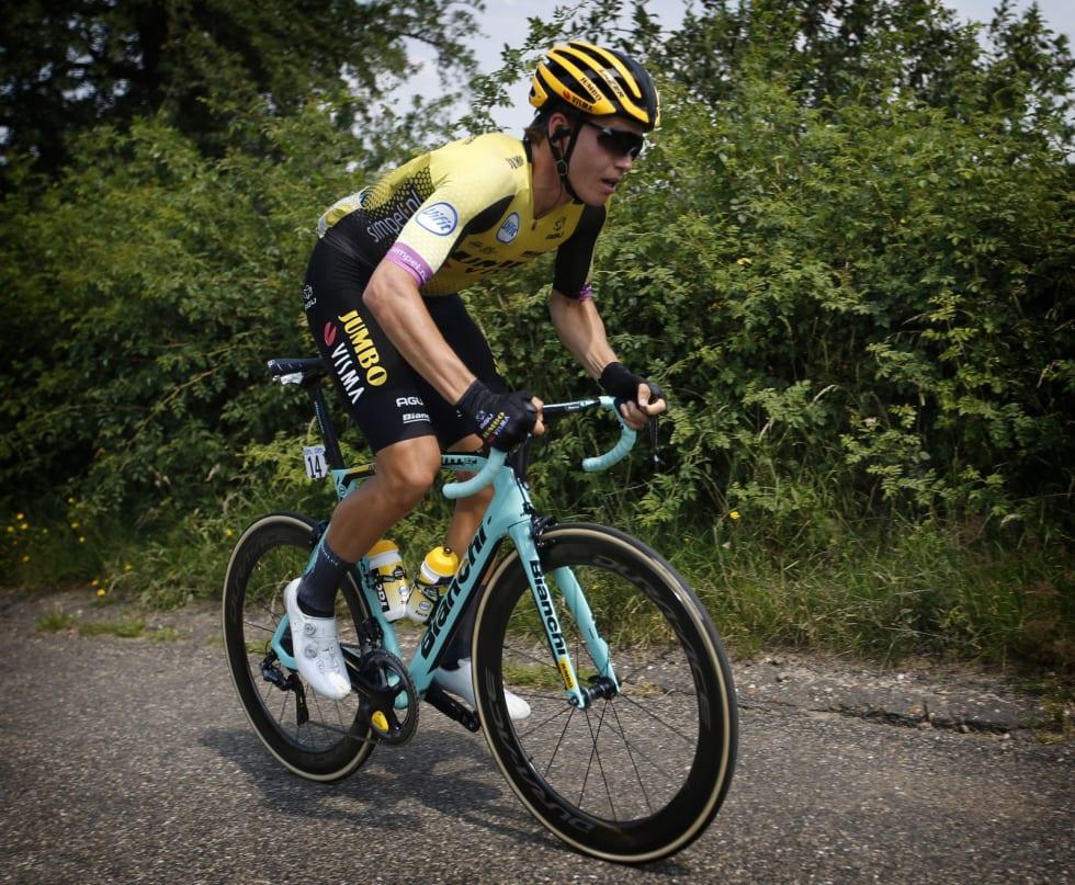 HAR BEGYNT Å VINNE: Amund har triumfert både i ZLM-Tour og NM de siste ukene. Her på vei mot seier i førstnevnte. Foto: Cor Vos.