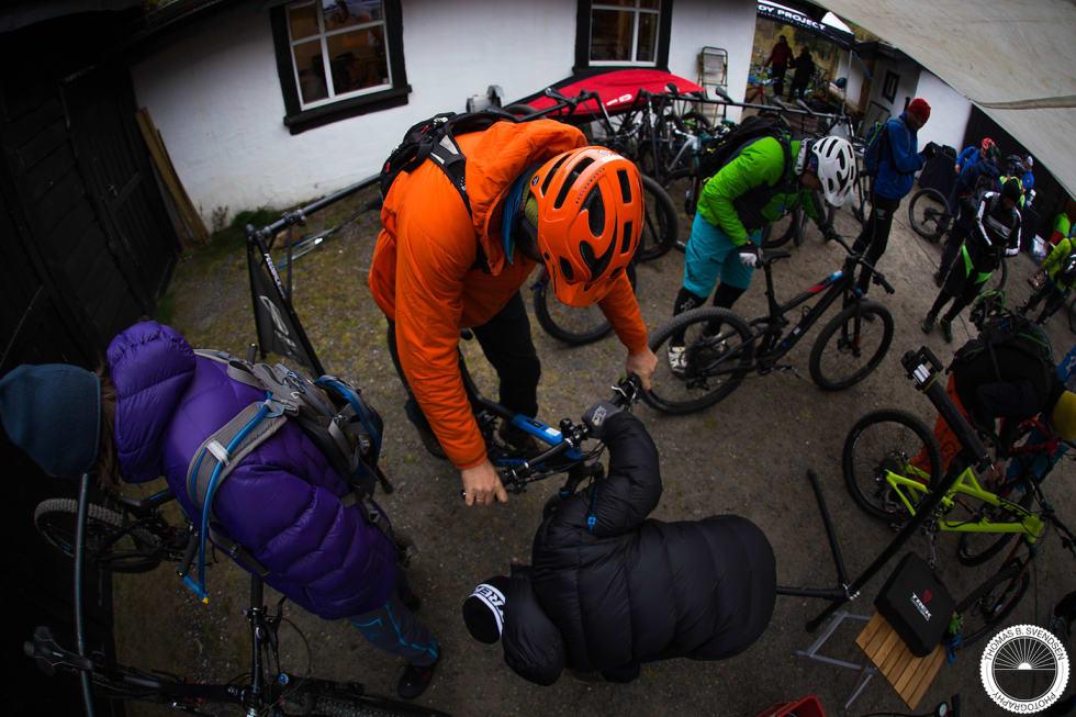 9 Mr Trek Knut Lønnqvist var selfølgelig til stede for å sørge for riktig demperoppsett