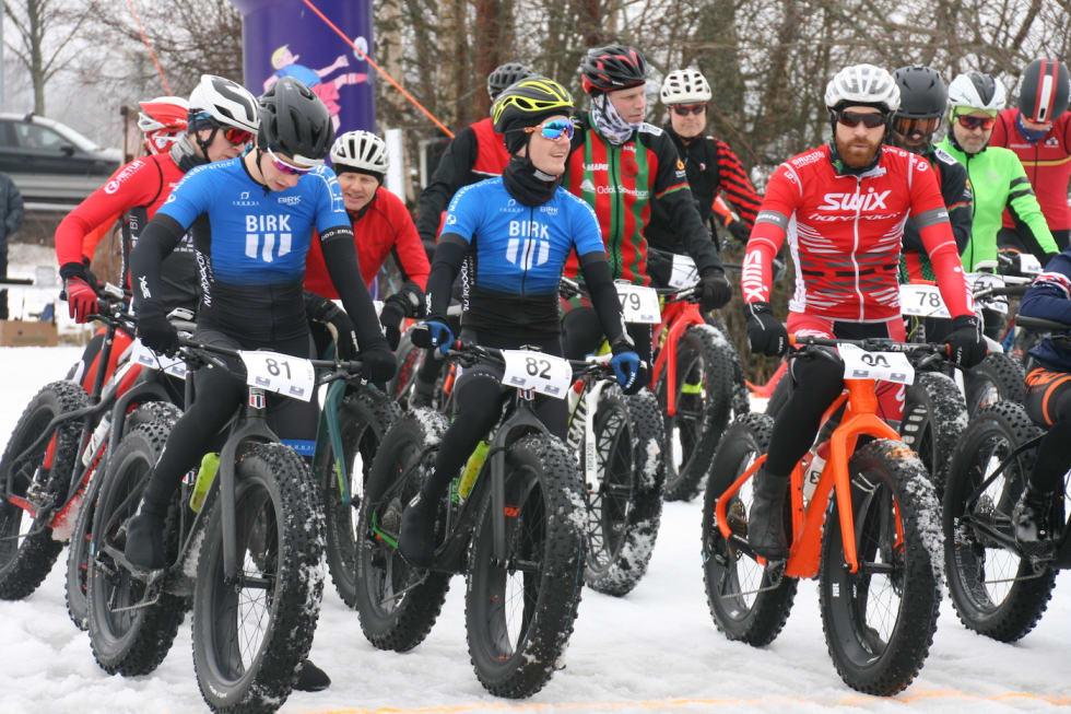Startklare med 5000 kroner i sikte på målstreken: Odd Erlend Hansen Berg (til venstre), Audun Øverbye Hanssen og Vidar Mehl. Foto: Per Hannaseth