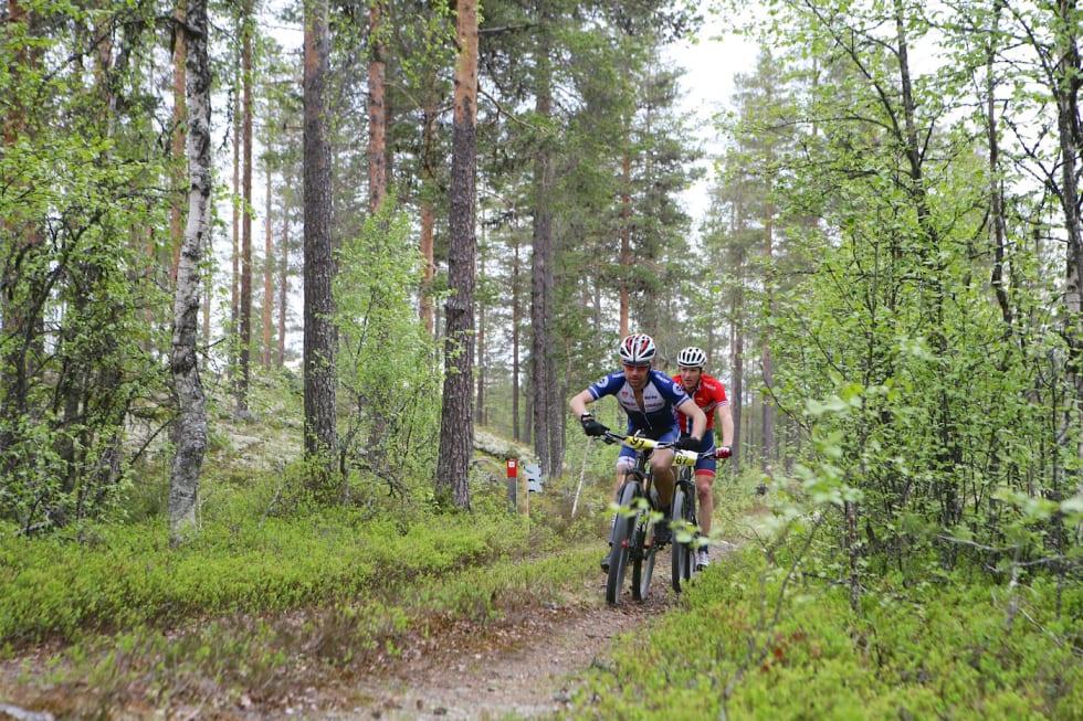 Bjørnstad-Tuveng og Ola Kjøren - Per Roger Bekken Team Trek Mesterhus 1400x933