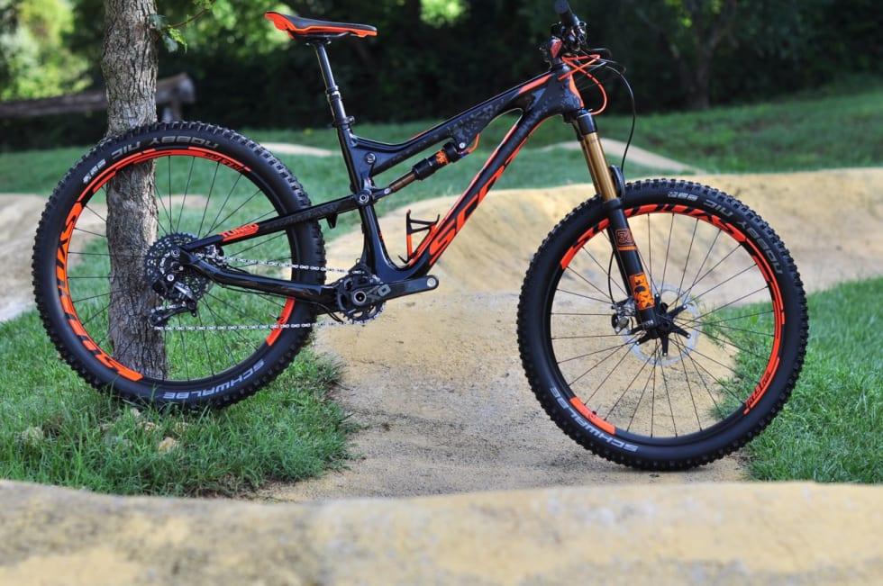 LT: Versting-sykkelen i Genius-familien i plus-versjon.