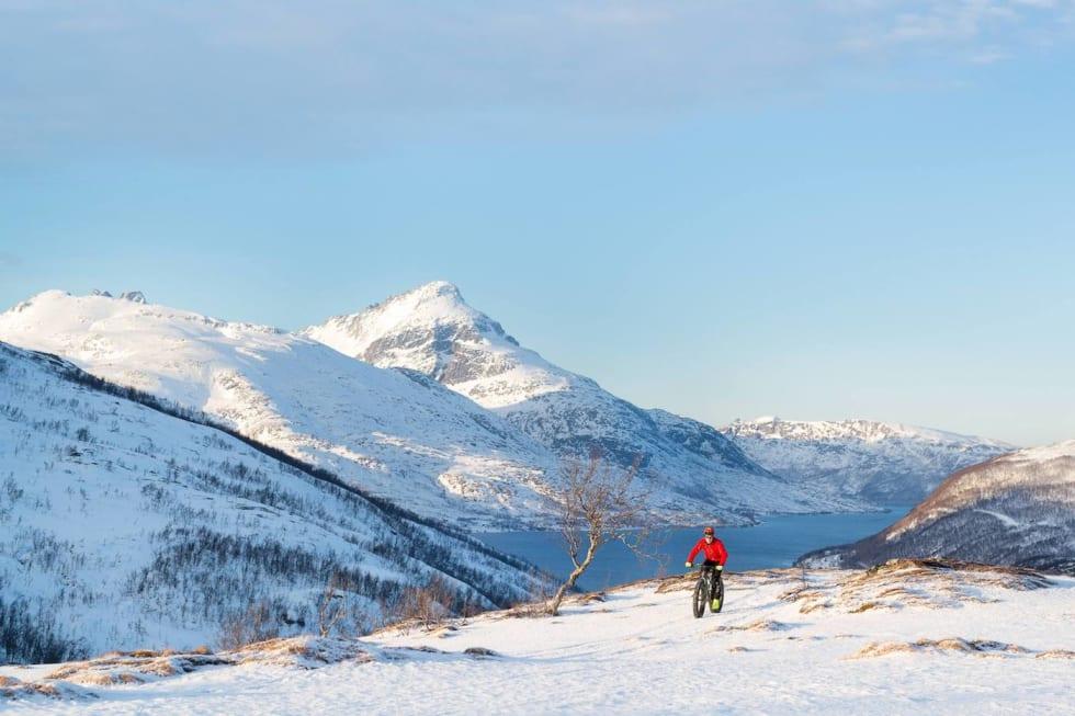 Kvaløya Feb 2018 2 - Pål Jakobsen 1400x933