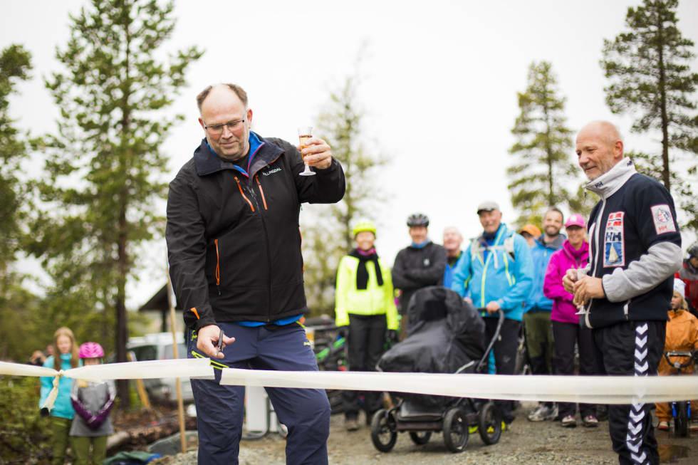 Ordfører Tore Haraldset - Daglig leder Destinasjon Nesfjellet AS Lasse Lund - Snorre Veggan