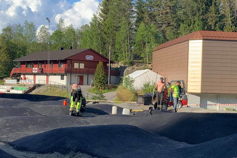 Pumptracken har 600 tonn subbus under 100 tonn asfalt, og er en av Østlandets største og allerede en snakkis. Foto: Trond Dyrnes