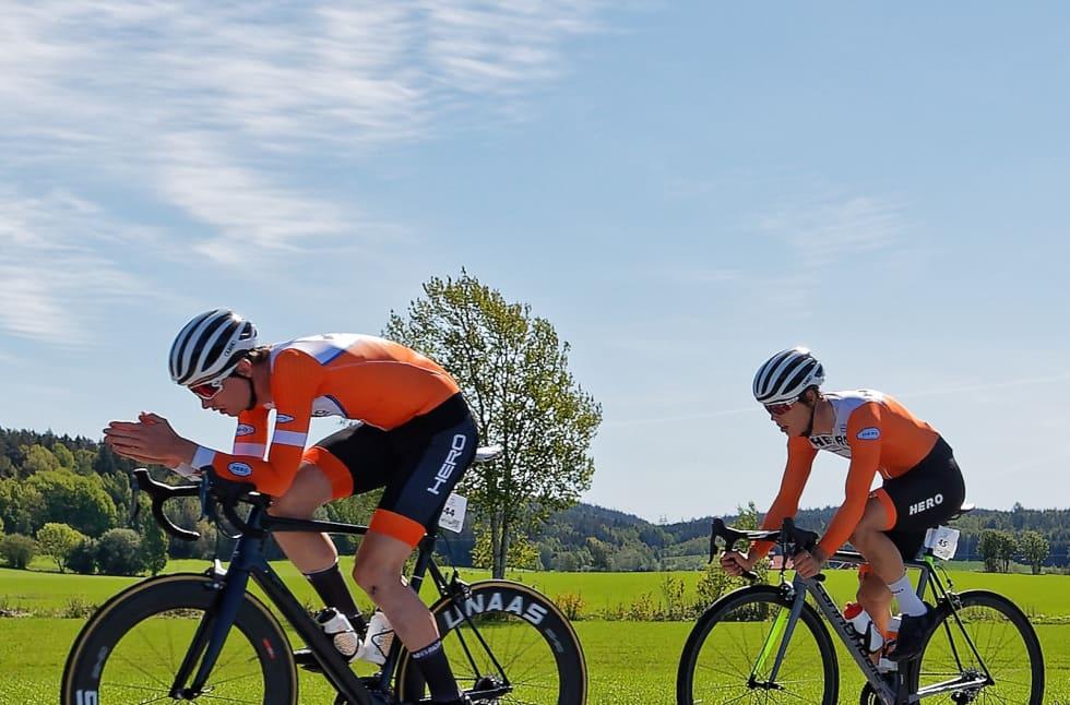 Sindre Bjerkestrand Haugsvær og Mathias Sundquist på vei mot fjerdeplass. Foto: Ola Morken