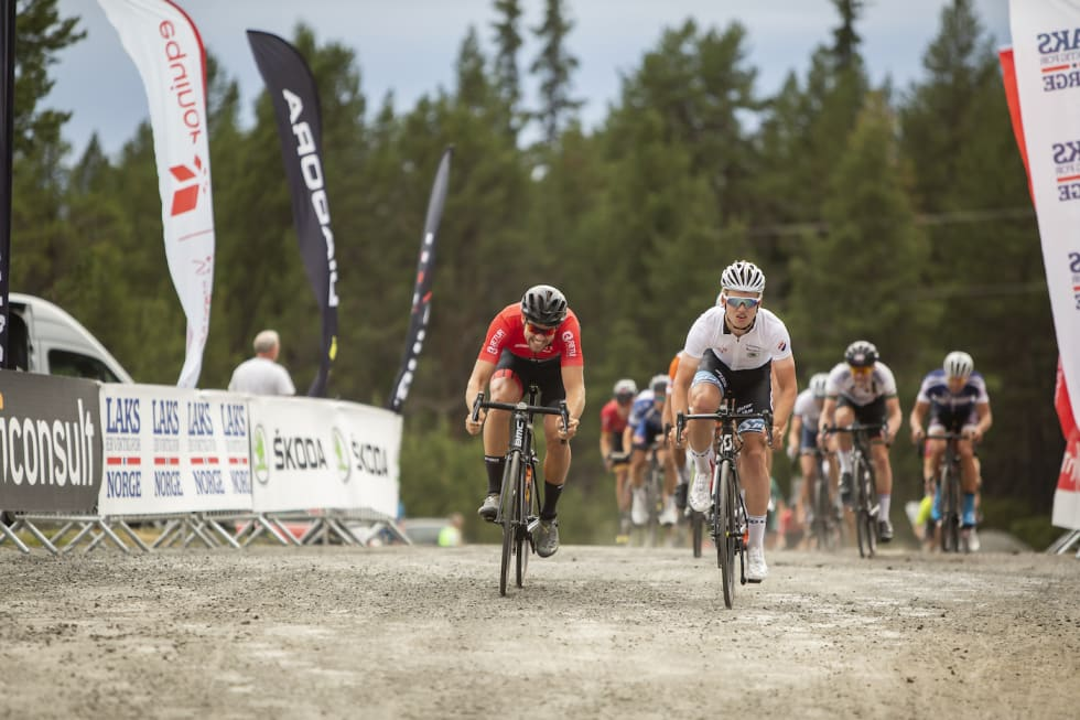 Stage 2 finish Kristoffer Ylven Westgaard - Pål Westgaard 1400x933