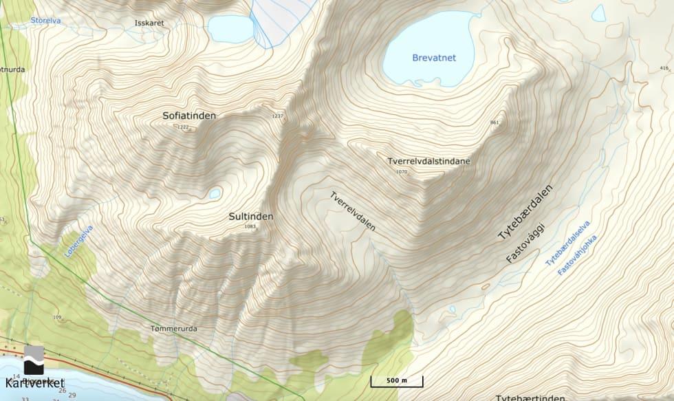 ULYKKESTOPPEN: Skavlen brakk på den 1237 meter høye toppen mellom Sofiatinden og Sultinden.