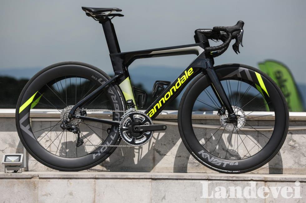 TEMPOHEST: Alt på SystemSix er aerodynamisk optimert. Cannondale klapper seg selv på skulderen og mener de har laget den raskeste sykkelen på jordkloden. Foto: Brian Venor.