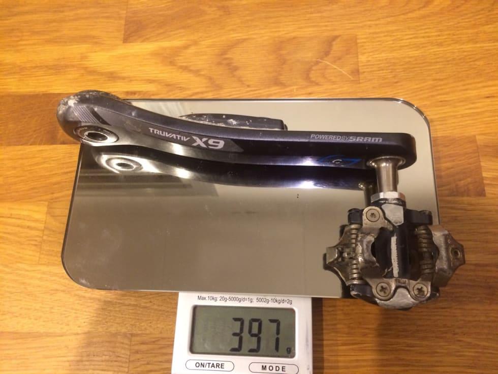 VENSTREARM: X9-armen veier kun 50 gram mer enn XX1-armen i karbon, Stages-dingsen til tross.