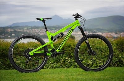 ENDURO: Mega AM er en fullblods endurosykkel med 160 mm vandring foran og bak.