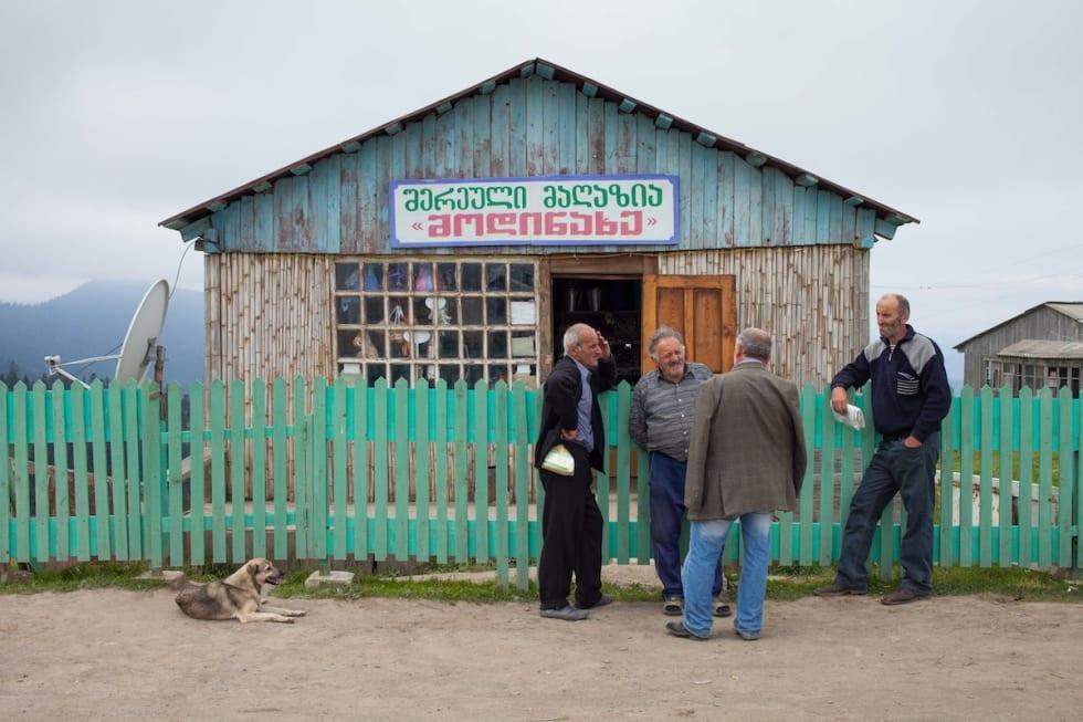 Georgia_Goderdzi pass_på vei til Batumi_lokal butikk