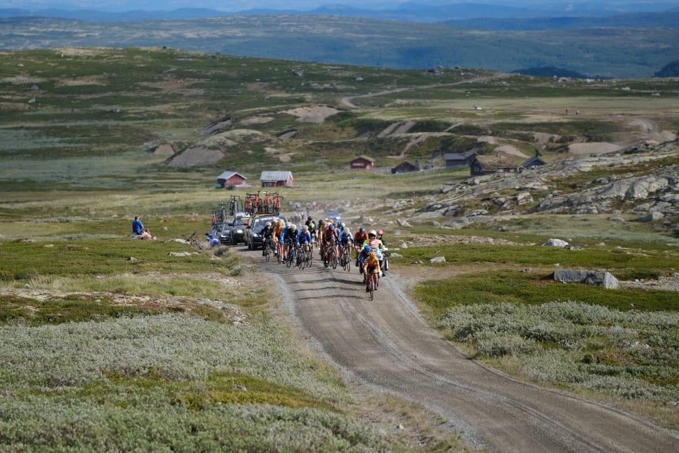 Tredje etappe gikk over spektakulære fjellveier. Foto: Mikkel Skretteberg/Sportsfoto.no