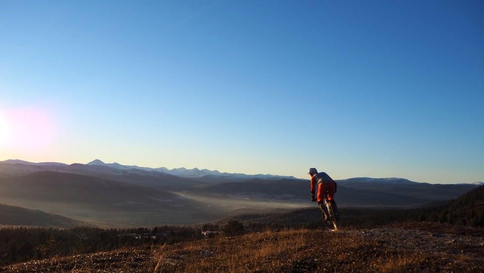 Audun Lutnæs er lommekjent i fjellene rundt Alvdal og Tynset, og skal vise fram sine favorittstier på sommerens fellestur. Foto: Urørt