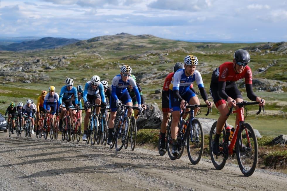 Lang, lang rekke bak Torbjørn André Røed. Foto: Mikkel Skretteberg/Sportsfoto.no
