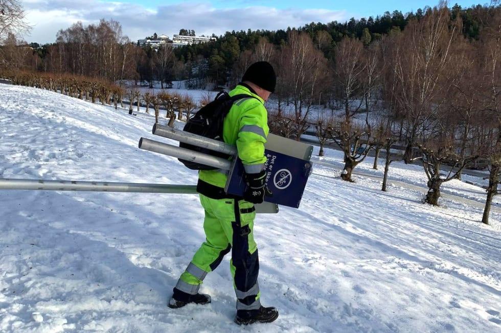 Oslo kommune måtte ta ned skiltene om sykkelforbund på Ljanskollen etter at Fylkesmannen hadde vurdert saken. Foto: Aslak Mørstad