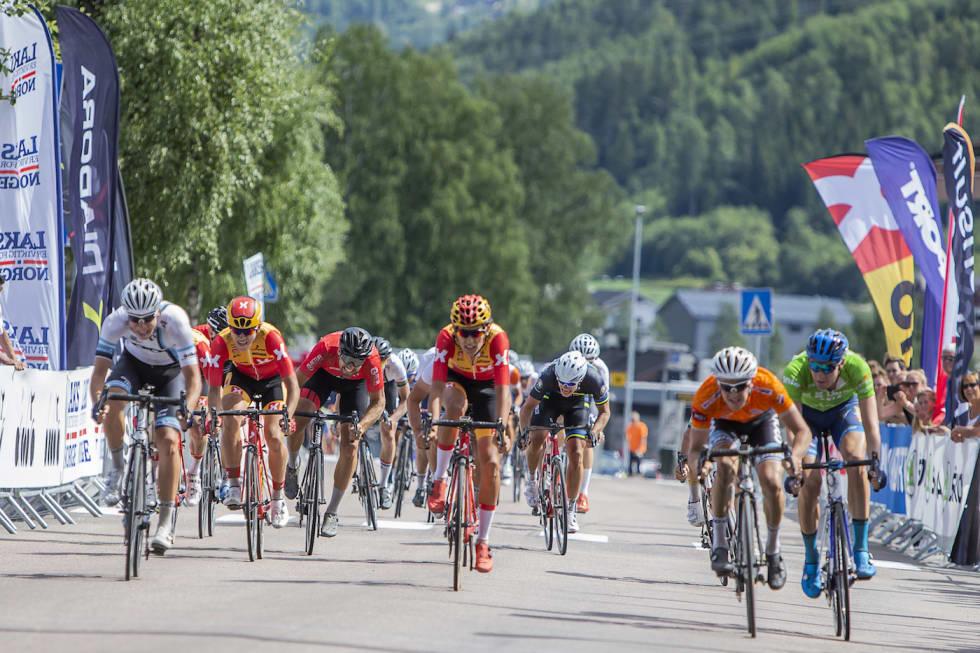 Sprint finish stage 4 sr men - Pål Westgaard 1400x933
