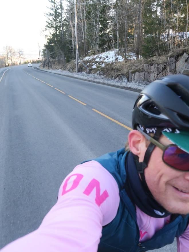 Sykler landevei alene for å redusere smitte