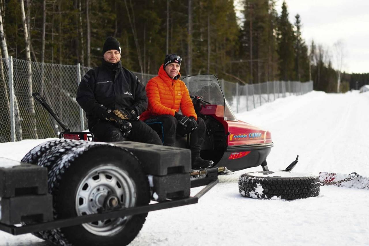 Snorre Pedersen og Svein Sagbakken prepper fatbikeløyper