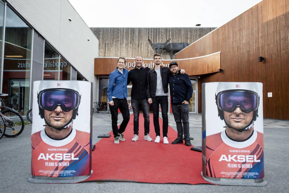 Aksel Lund Svindal og Field Productions utenfor Oppdal kulturhus