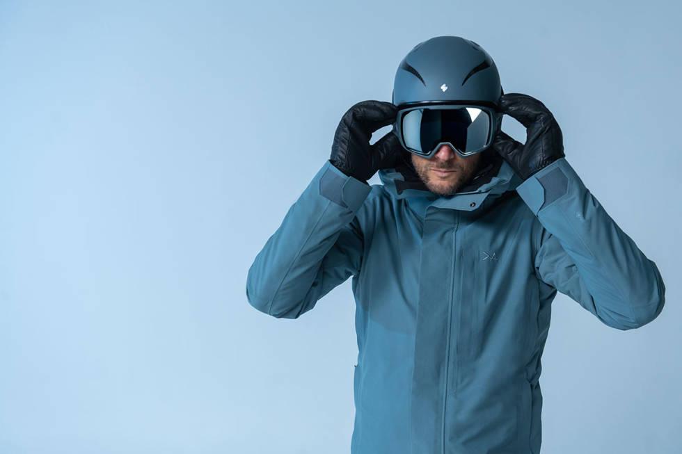 FULL PAKKE: Skiklær, goggles og hjelm er er med i Aksel-kolleksjonen.