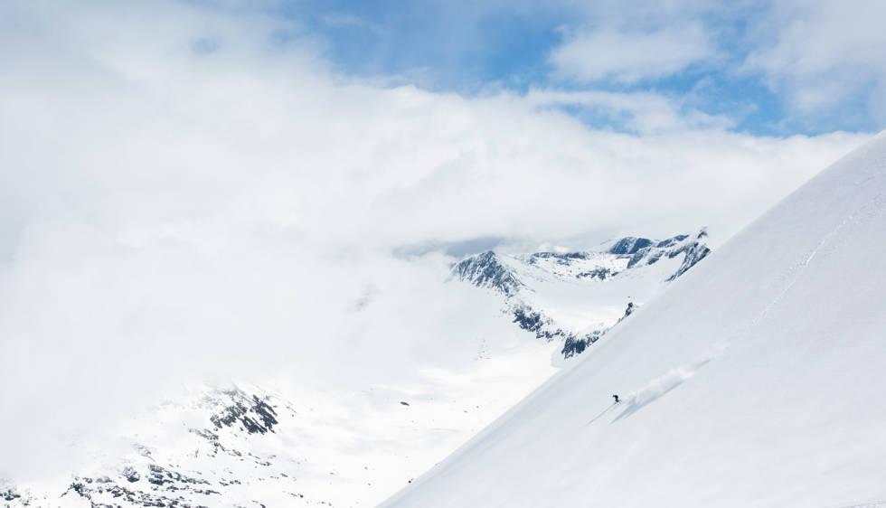 Alnestinden-Toppturer-i-Romsdalen-2