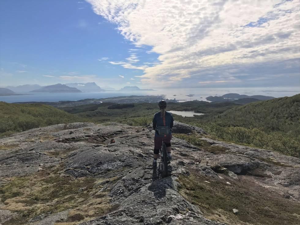 Stisykling med utsikt i Bodø, nord norge