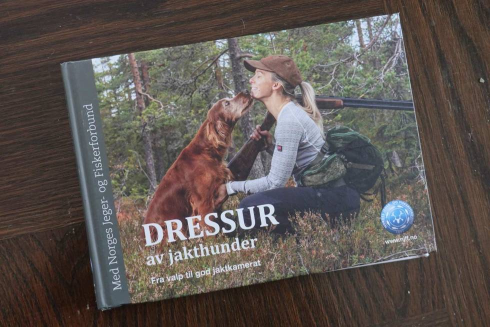 Bokmelding-Dressur-Hans-P-Dalby-Roar-Lundby-Hans-Ole-Solberg-Liv-A-Imset