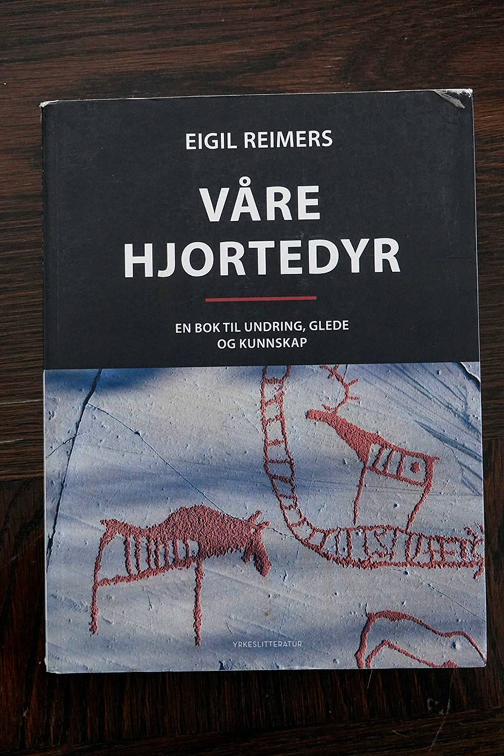 Bokmelding-Våre-hjortedyr-Eigin-Reimers