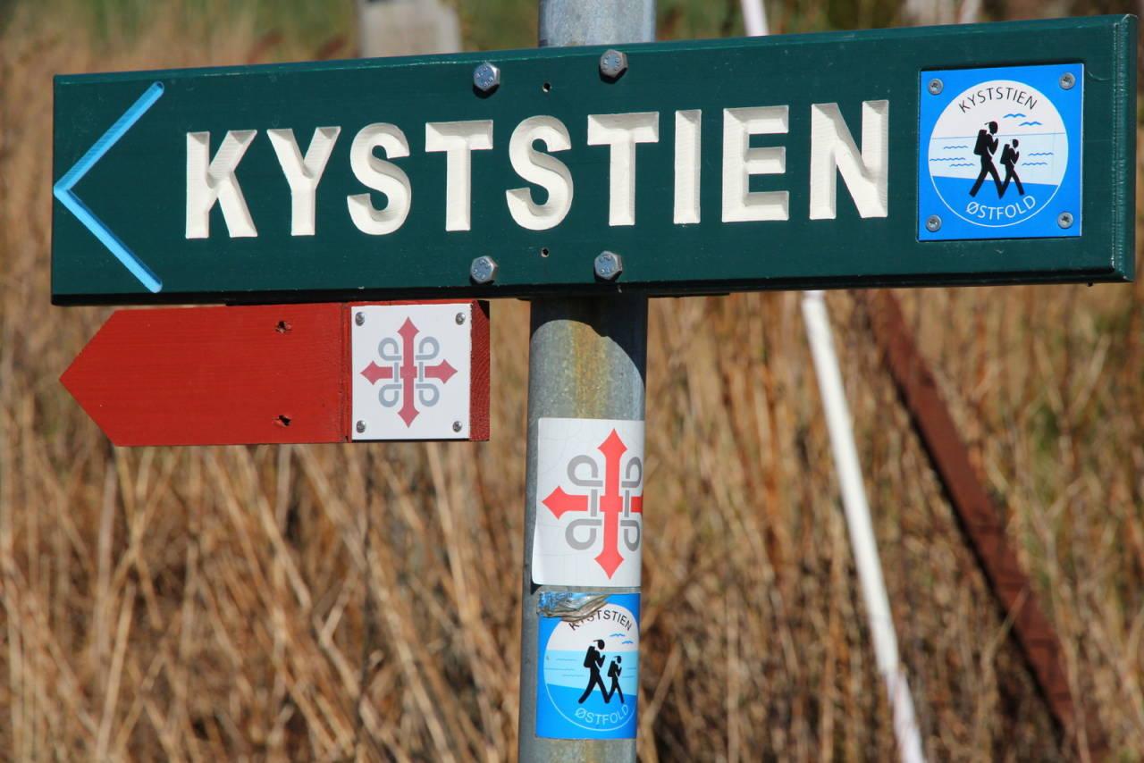 KYST-ETAPPE: Deler av turen går langs strender, brygger og mariner. Foto: Øyvind Wold