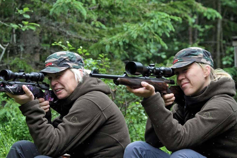Damer-på-jakt-2