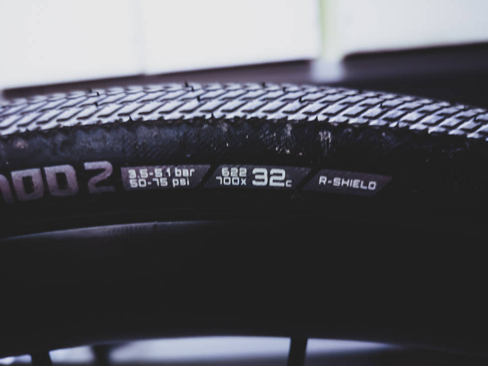 dekk til racersykkel som er 32 mm bredt