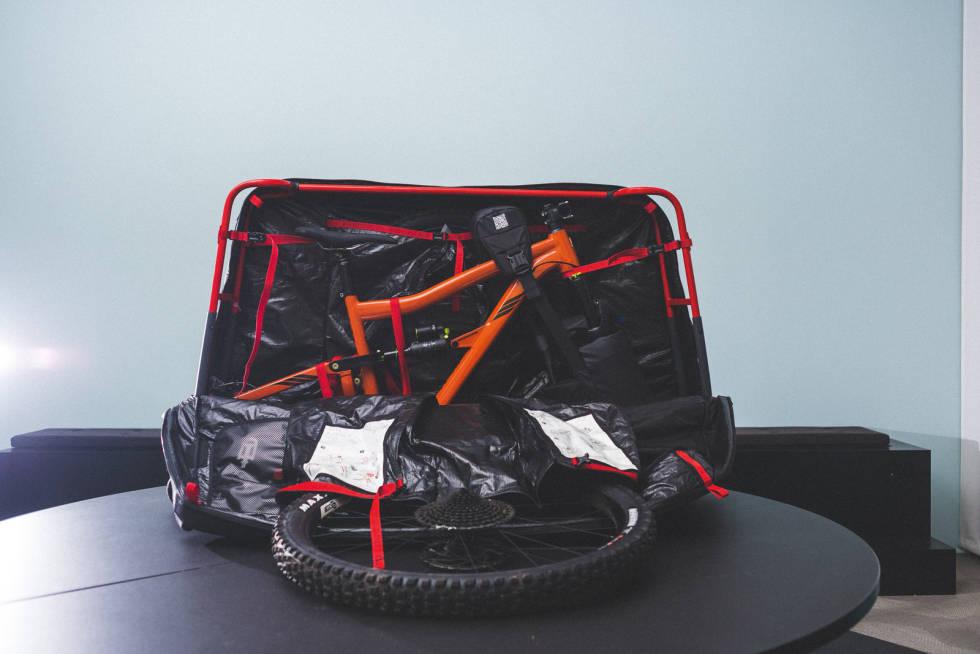 Douche-bags-the-savage-bike-bag-2