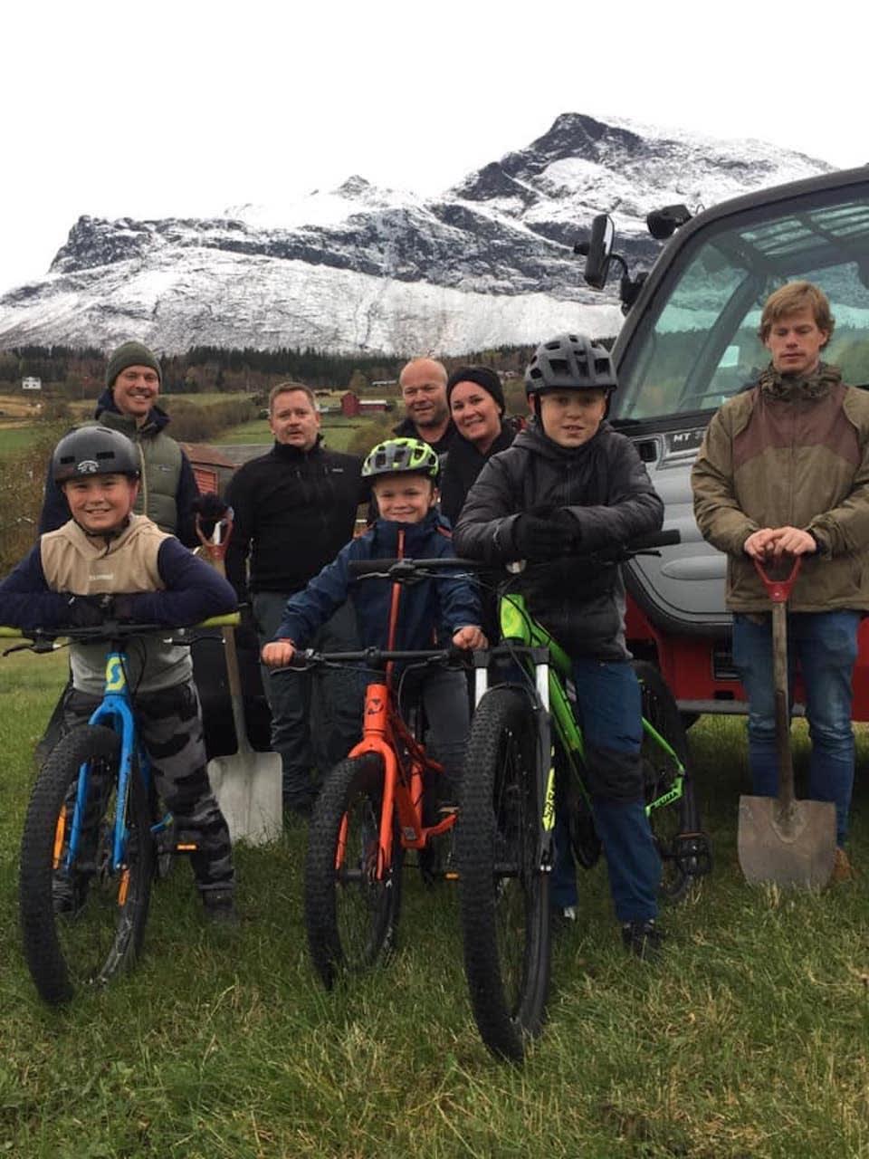 Denne gjengen står bak planene til Makkenparken, og er klare til å gå i gang med anleggsarbeidet. Foto: Belinda Dalemark Wangensteen