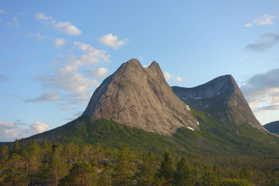 Eidetind, Efjord
