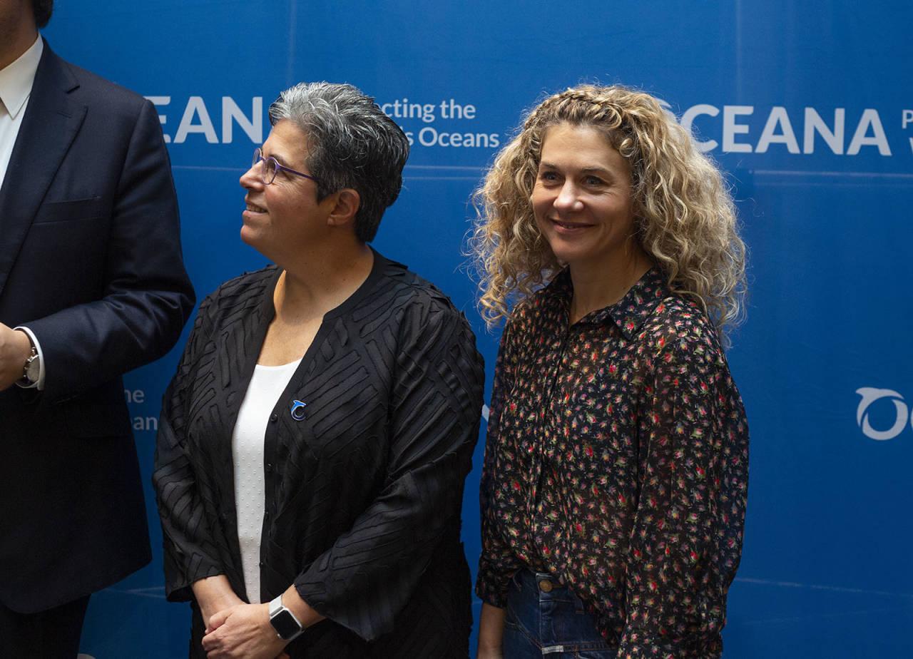Denne ble havkonferansen Our Ocean arrangert i Oslo. Her er Cecilie Skog med Jacqueline Savitz fra Oceana. Foto: Elin Fjelldal