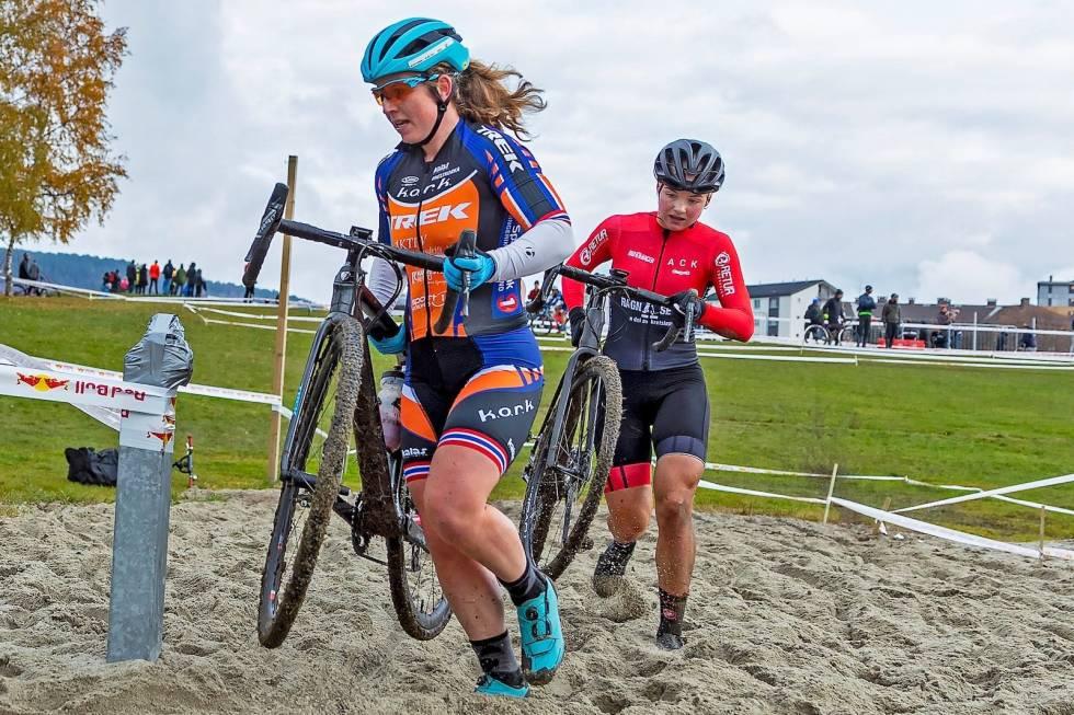 NM Cyclocross 2019 - Elisabeth Sveum  og Mie Bjørndal Ottestad