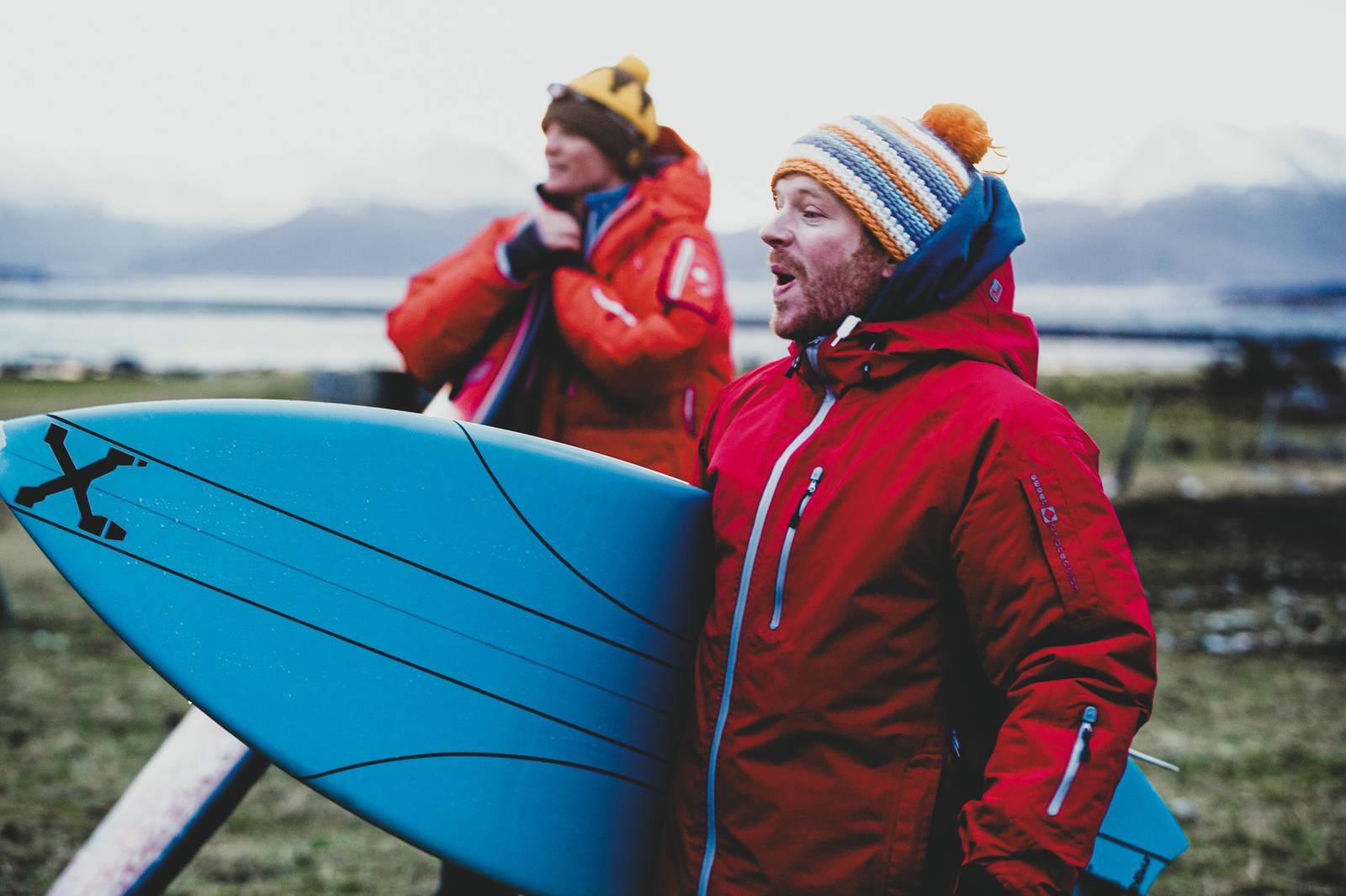 Espen Fadnes og Asbjørn Eggebø Næss var mildt sagt stoka på møtet med havet. Bilde: Christian Nerdrum