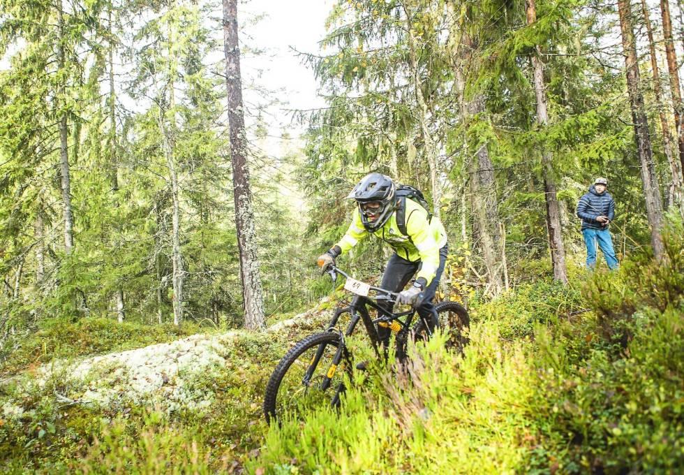 Gard Brovold er tilfreds med valg av sykkel på dagens forhold. Foto: Pål Westgaard