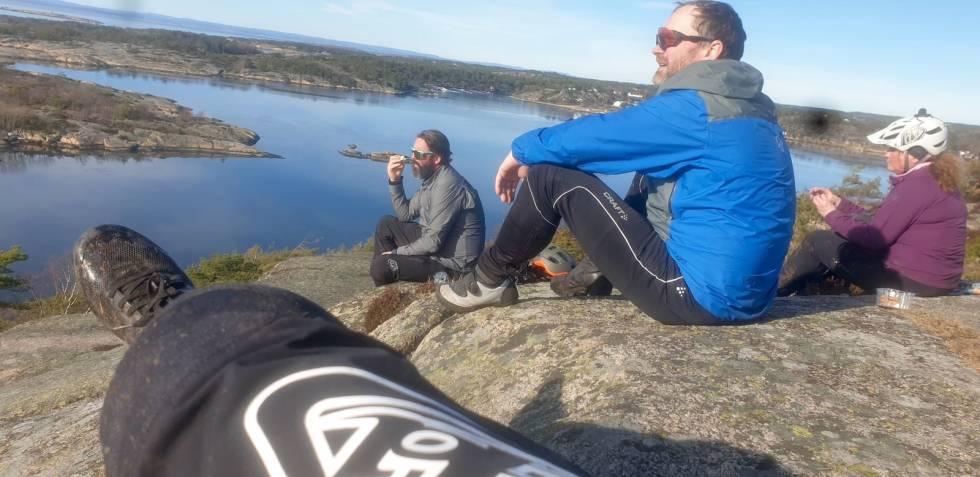 VÅR I LUFTA: Søndagens stitur i til Blåsopp ved Fredrikstad bød på vårfølelsen. Foto: Pål Grotnes